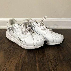 Drew Motion Size 9M White Therapeutic Shoes